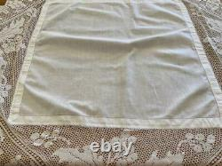Beautiful White Antique Tablecloth -Finely Crochet Edgings- Holly & Leaf Pattern