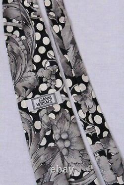 GIANNI VERSACE 90s vintage black and white circle pattern, baroque floral design