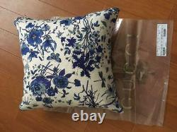GUCCI Cushion square floral pattern