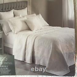 Hotel Living White Pattern Quilted Bedspread 250cm x 260cm BNWOT