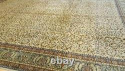 Exquis Cr1930-1939s Antique Wool Pile Floral Modelé Hereke Rug 7x10ft